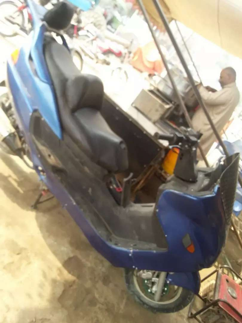 Lifan scoter 150 cc full automatic 0