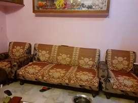 3+1+1 Sofa set in good condition