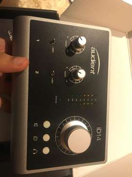 Audio Interface-Audient (1 month old)