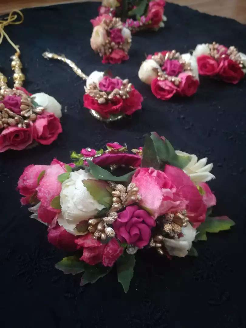 Hand Made Branded Jewelry Set 0