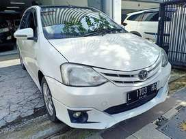 Toyota Etios 1.2 manual putih