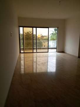 4 bhk flat available college rod
