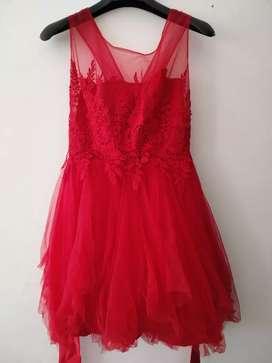 Dress pesta merah