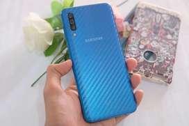 Samsung A50 6/128gb blue