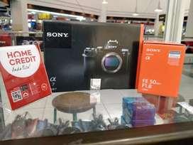 Kredit Kamera Sony Alfa 7 lensa fe 50mm