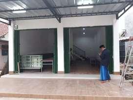 Rumah toko di jalan kampung