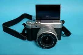 Mirrorless Fujifilm XA20 Warna Hitam