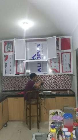 Aplikator pembuatan lemari dapur full aluminium