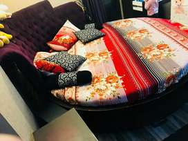 KIng size round bed for sell