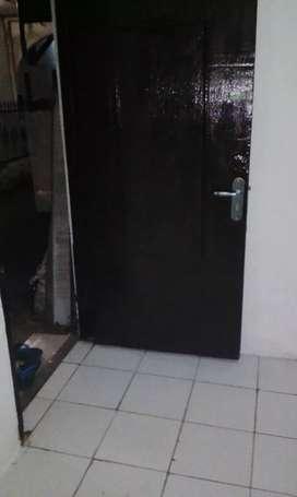 Rumah kontrakan 2lt.di kayumanis Jak tim strategis bebas banjir