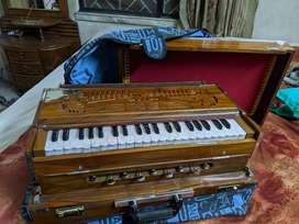 10 month old original Ratilal double reed seven bellow box harmonium