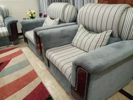 7 Seater sofa set with a centre table