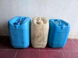 3 jerigen air Bogor bekas nett tanpa tutup