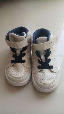 Dijual sepatu anak laki laki