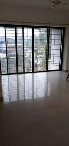 2bhk flat rent. Near chandak circle opp nilesh dry fruit nasik.