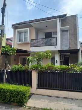 Rumah segera jual murah bangunan ok siap huni di bintaro dekat STAN