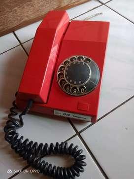 Telpon putar merah