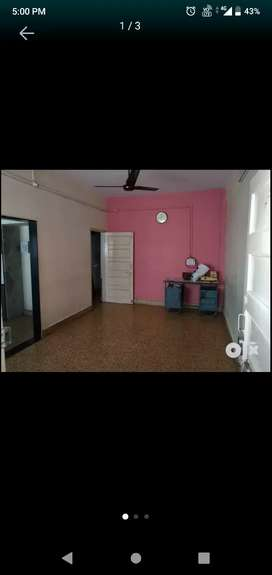 24 Hrs water, Semi furnished, gas line , electricity available.