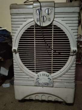 I WANT TO SELL MY COOLER. .