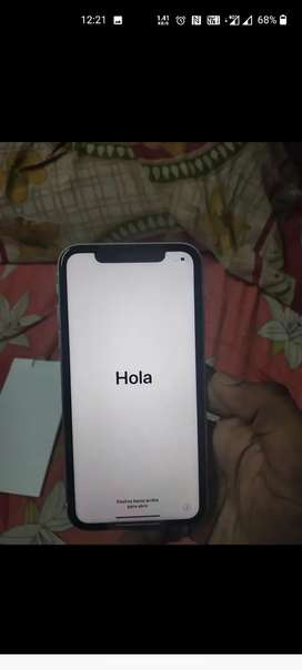 XR in good con white,90 battery 128 gb price dead fixed exchange avle