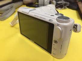 SAMSUNG NX 2000 Mirrorless camera