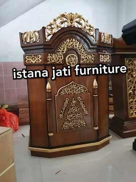 Podium mimbar ornamen jati solid ( mimbar masjid dan musholla )