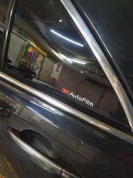 Kaca film untuk kenyamanan mobil dan hunian anda