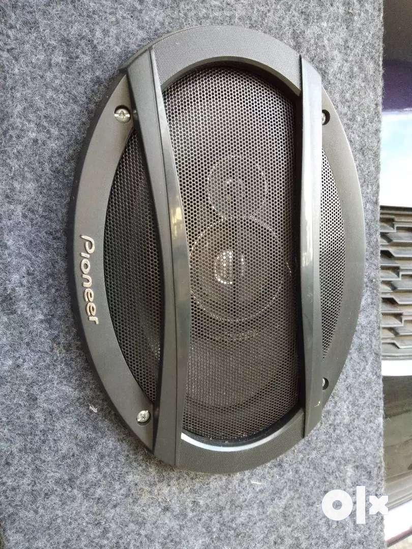 Car pioneer speakers 0