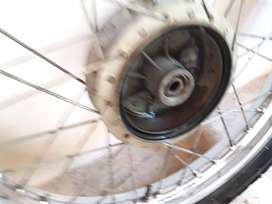 Yamaha  Rx 100/ 135 Wheel Assembly used(Both for 2200)