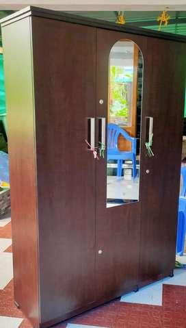Big three door wardrobe almira