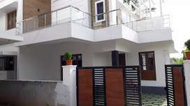 Thrissur kalathode 5.5 cent 1700 sqft 3 bhk posh villa