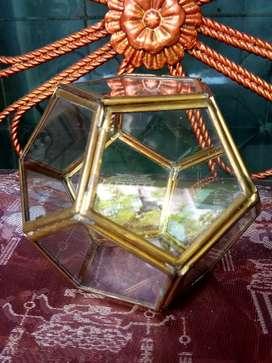 Tempat perhiasan, kuningan & kaca prisma
