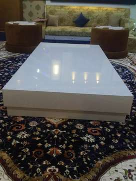 UV sheet sitting Dining Table Brand new never used