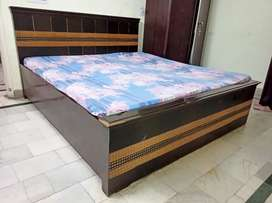 Hi, I am selling my bed on OLX