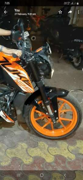 Awesome conditions.. brand new like.. ktm duke 125..