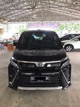 Toyota VOXY 2.0 A/T 2018/2019, LIKE NEW ,KM 20 ribuan alphard