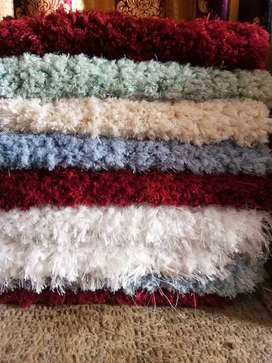 Soft and fluffy foot rug