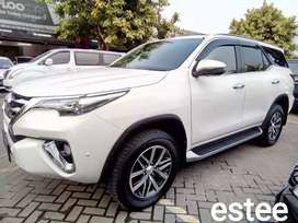 Fortuner VRZ 2.4 AT Bagus Bintaro bukan Pajero - White On Brown