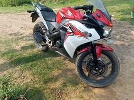 Cbr 150r urgent to sell.