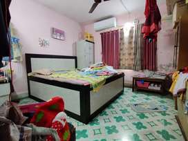 1 bhk flat 15 years old building in dilipnagar for sale.