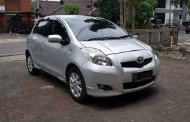 Toyota Yaris E AT (Matik) Thn 2011 SILVER GOOD CONDITION TDP 20 Jt