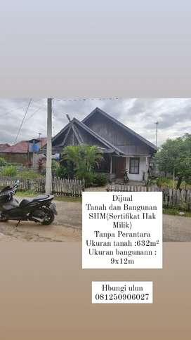 Dijual rumah adat banjar ,bertetangga denggan peguruan Martaputa