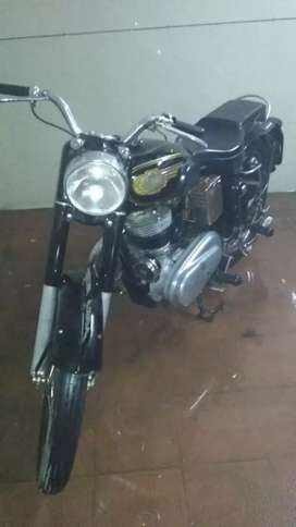 Royal Enfield bullet... Made in England...Model:1960