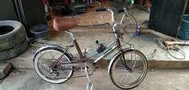 Sepeda minion jadul jepang