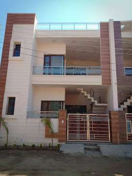 Kothi available in sector-127