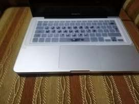 MacBook pro a1278 core i5 2011late 500gb hard excellent