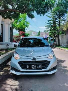 DIJUAL CEPAT! Daihatsu Sigra 2019 warna silver Mulus seperppti baru