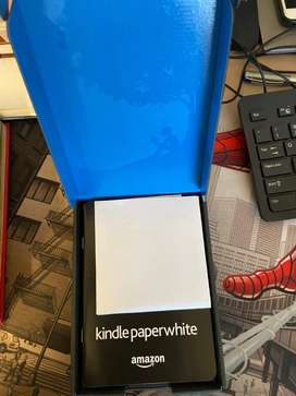 Kindle Paperwhite 4GB scratchless for sale
