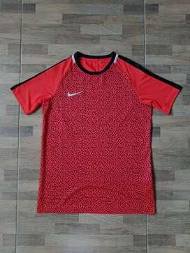 Nike football shirt merah