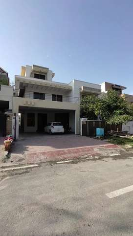 E-11, Multi, 1 kanal, Three Bed Upper Portion on Rent for Office .